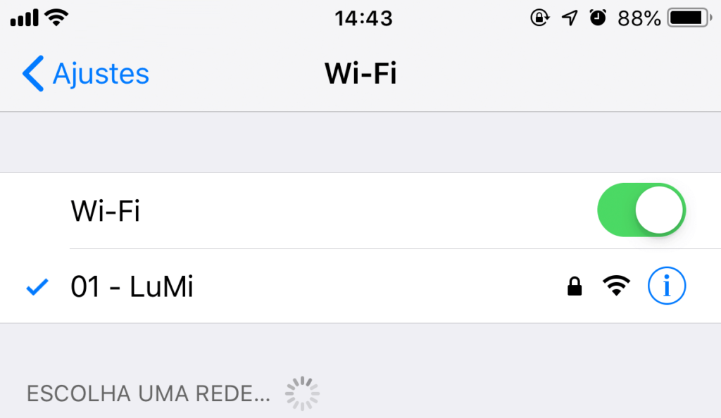 Por que o iPhone fica desconectando do Wifi?